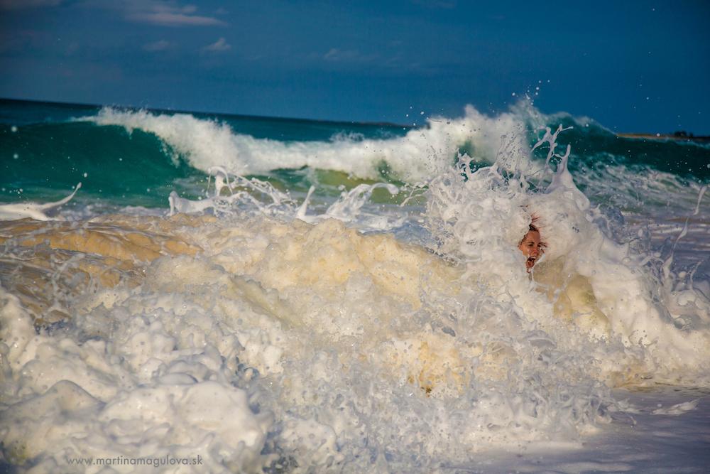 vlna Bahamy